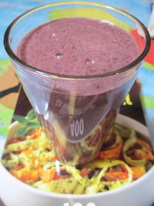 berry fig smoothie
