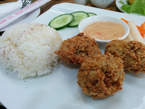 Loving Hut southern fried chicken