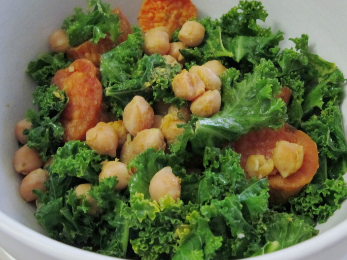 cheezy chickpeas and kale