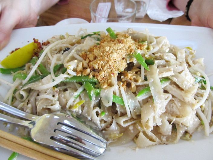 loving hut pad thai
