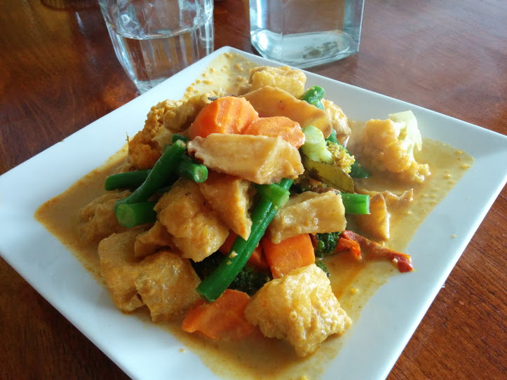 tofu puff veg curry Loving Hut