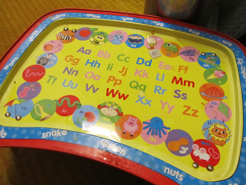retro kids tv tray table